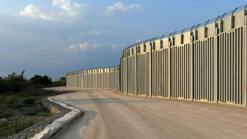 Greece finishes wall on border with Turkey, amid fears of Afghan migrant crisis
